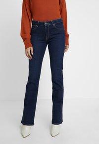 Wrangler - BODY BESPOKE - Jeans Bootcut - night blue - 0