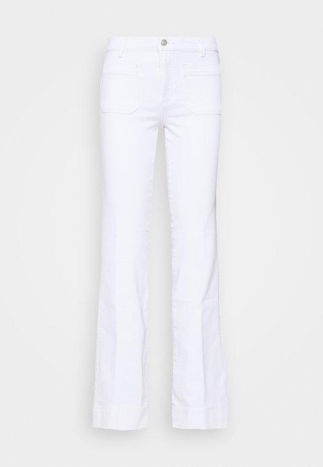 Flared-farkut - optic white