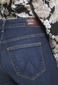 Wrangler - Jeans Skinny Fit - true dark - 3
