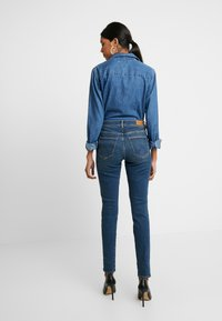 Wrangler - HIGH RISE - Jeans Skinny Fit - used tint - 2
