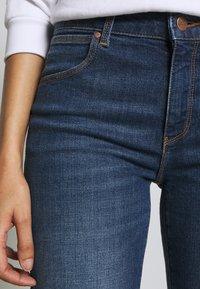 Wrangler - Jeans a sigaretta - pixi blue - 5