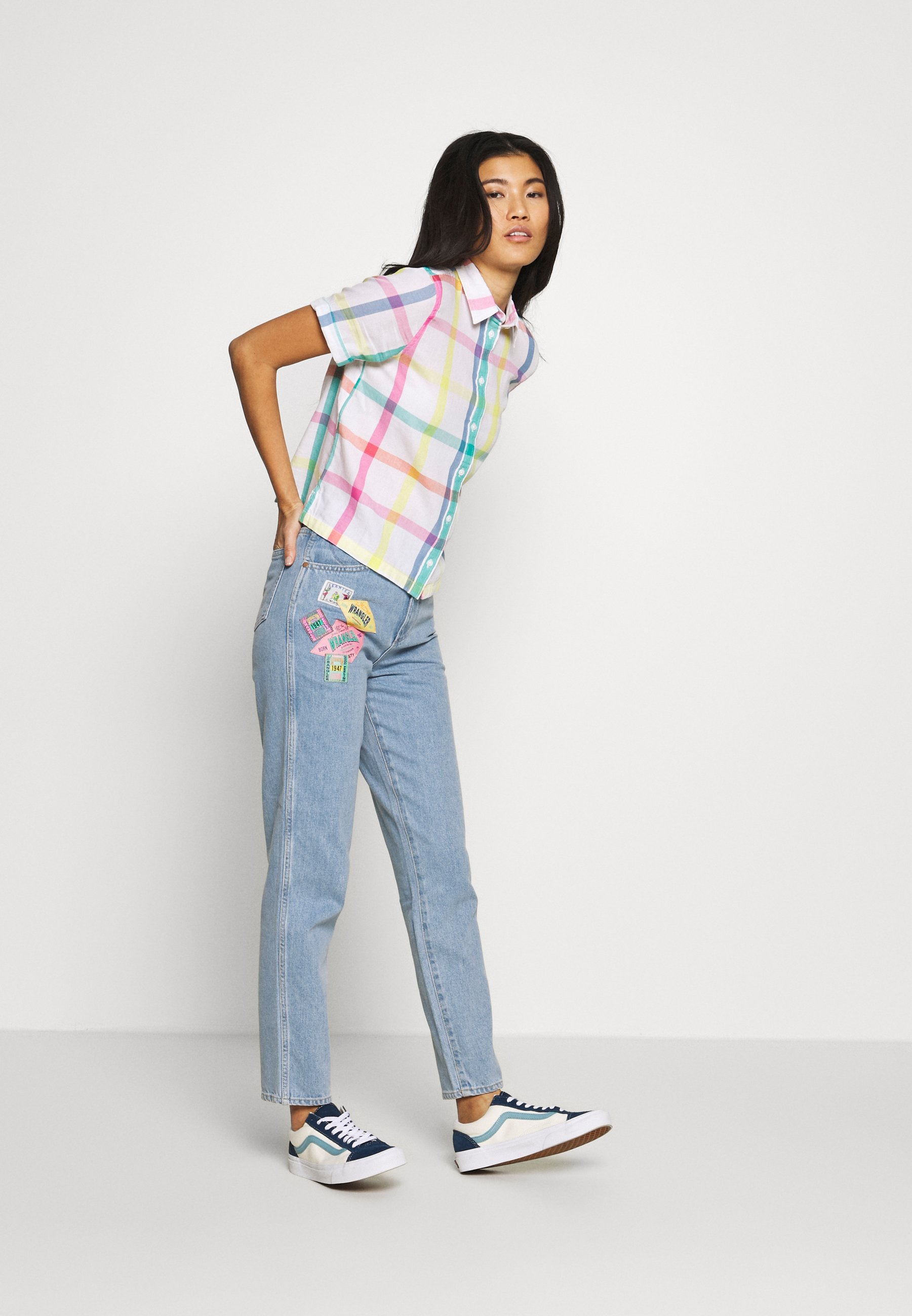 Wrangler MOM  - Jeansy Relaxed Fit - honolulu