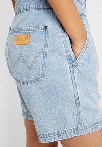 Wrangler - PLAYSUIT - Jumpsuit - worn indigo - 5