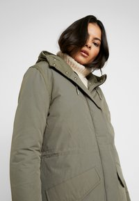 Wrangler - DUSTY  - Zimní kabát - olive - 3