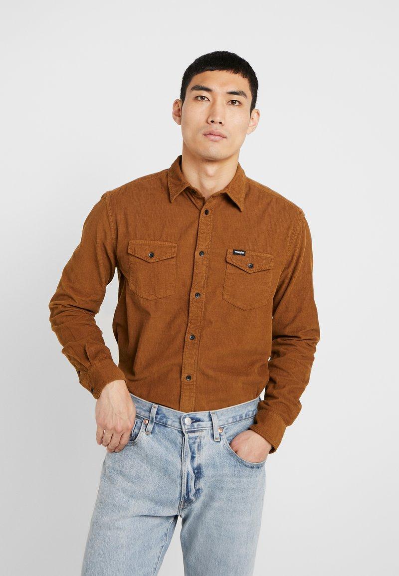 Wrangler - FLAP - Camisa - russet brown
