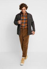 Wrangler - Košile - nutmeg brown - 1