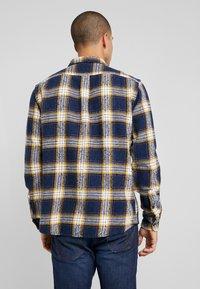 Wrangler - FLAP - Skjorta - dress blue - 2