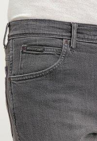 Wrangler - TEXAS STRETCH - Straight leg jeans - graze - 4