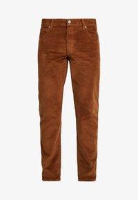 Wrangler - TEXAS - Pantalones - russet brown - 4