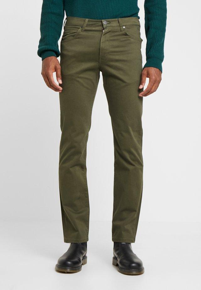 ARIZONA - Spodnie materiałowe - ivy green