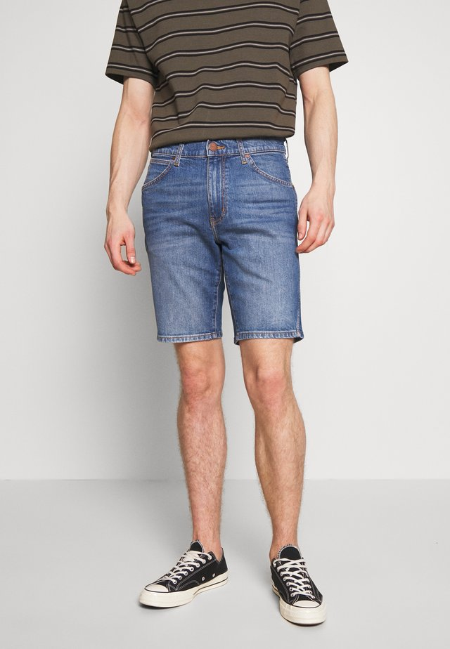 TEXAS FIT - Jeans Shorts - worn blue