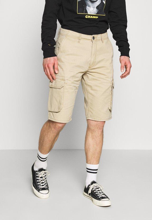 TEXAS CARGO - Shorts - sand