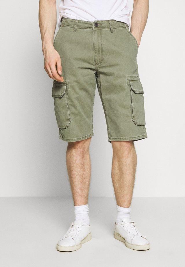 TEXAS CARGO - Shorts - dusty olive