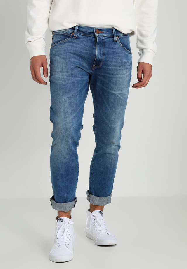 LARSTON - Jeansy Slim Fit - blue