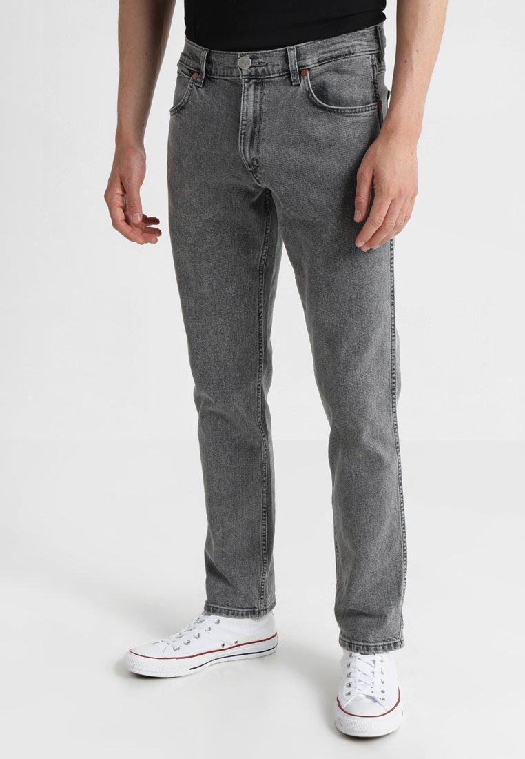 Wrangler - GREENSBORO - Straight leg jeans - bleached black