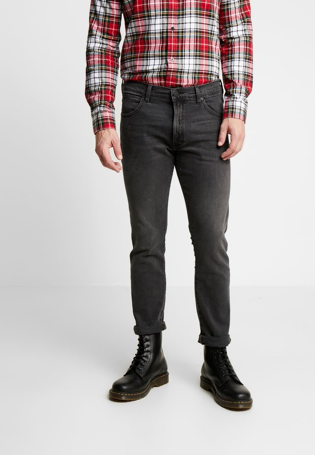 LARSTON - Jeans Slim Fit - grey hill