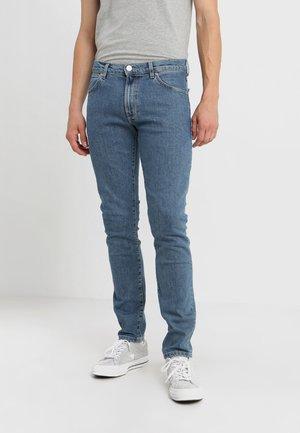 LARSTON - Slim fit jeans - midstone