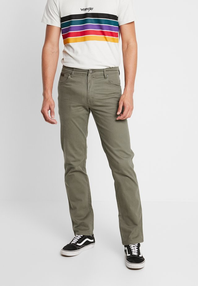 TEXAS - Jeansy Straight Leg - dusty olive