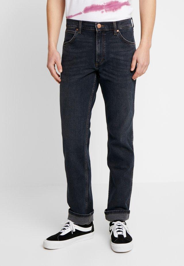 GREENSBORO - Jeans Straight Leg - smooth criminal