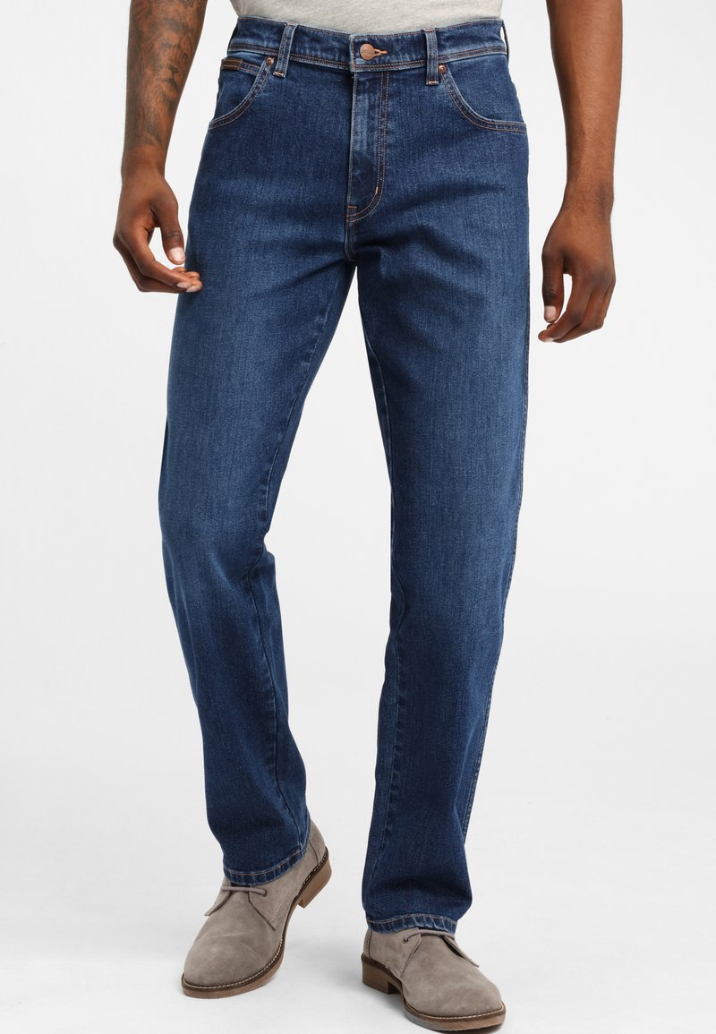 Wrangler - TEXAS - Jeansy Straight Leg - soft power