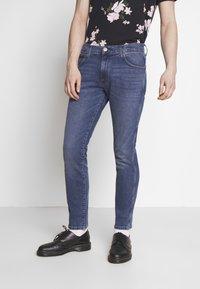 Wrangler - LARSTON - Slim fit jeans - blue fest - 0