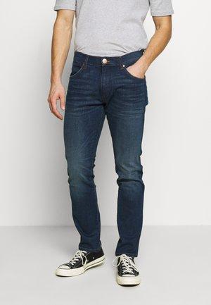 LARSTON - Slim fit jeans - dark blue denim
