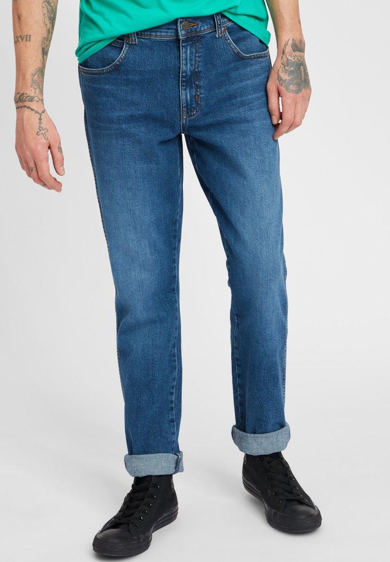 Wrangler - TEXAS - Jeansy Slim Fit - blue