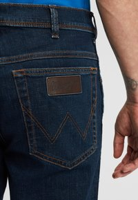 Wrangler - TEXAS - Jeansy Slim Fit - dark blue - 4