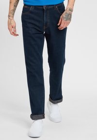Wrangler - TEXAS - Jeansy Slim Fit - dark blue - 0