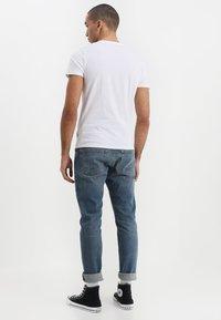 Wrangler - TEE 2 PACK - T-shirt - bas - black - 3