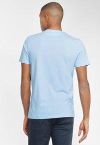 Wrangler - SIGN OFF  - T-shirt basic - cerulean blue - 2