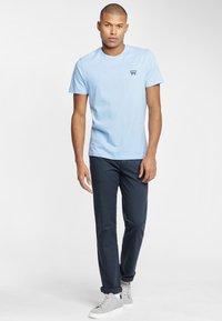 Wrangler - SIGN OFF  - T-shirt basic - cerulean blue - 1