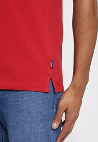 Wrangler - Koszulka polo - red - 4