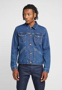 Wrangler - Kurtka jeansowa - blue - 0