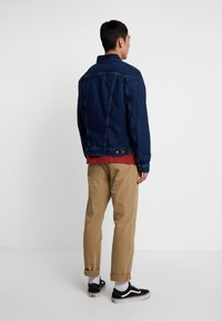 Wrangler - Veste en jean - dark blue denim - 2