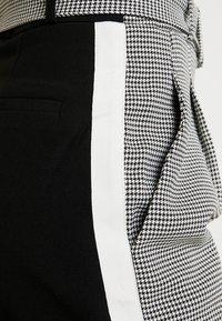 WRSTBHVR - STYLE PANTS YING - Pantalon classique - black - 5