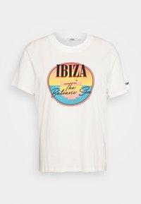 Wrangler Plus - HIGH REGULAR TEE - T-shirt med print - off white - 5