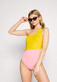 Women Secret - SWIMSUIT REMOVABLE PAD - Swimsuit - bamboo - 1