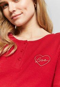 Women Secret - LONG SLEEVES LONG PANT PYJAMA SET - Pyžamová sada - red - 4
