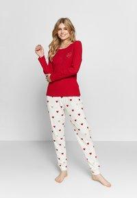 Women Secret - LONG SLEEVES LONG PANT PYJAMA SET - Pyžamová sada - red - 1