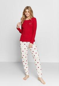 Women Secret - LONG SLEEVES LONG PANT PYJAMA SET - Pyžamová sada - red - 0