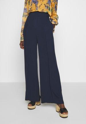 AMALFI - Spodnie materiałowe - blau