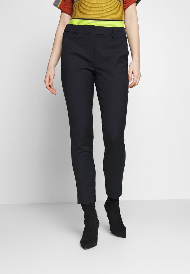 ULZIO - Trousers - schwarz