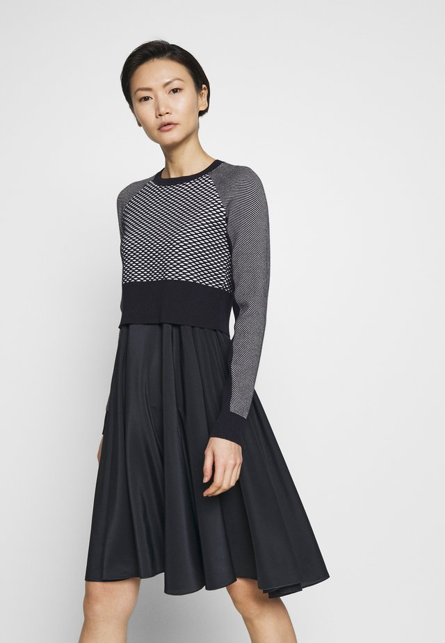 SPLUGA - Vapaa-ajan mekko - ultramarine
