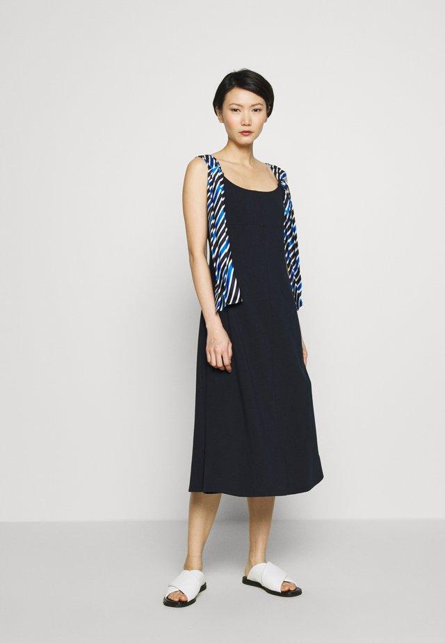 OFELIA - Vapaa-ajan mekko - ultramarine