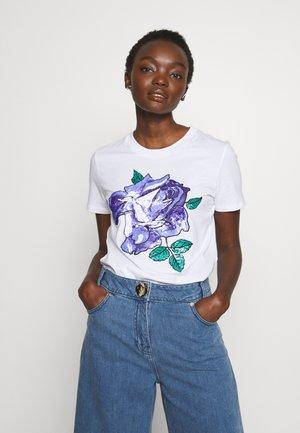 JESONE - T-shirts med print - weiss
