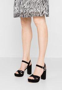 XTI - Sandaler med høye hæler - black - 0