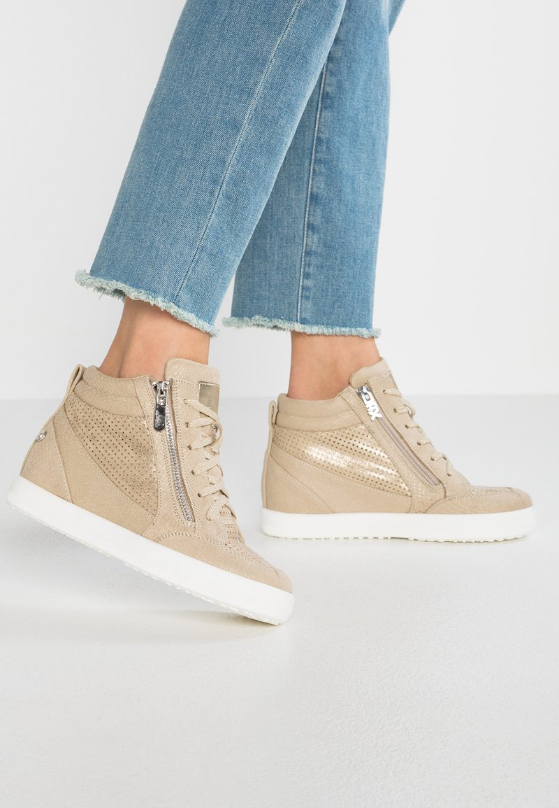XTI - Sneakers high - beige