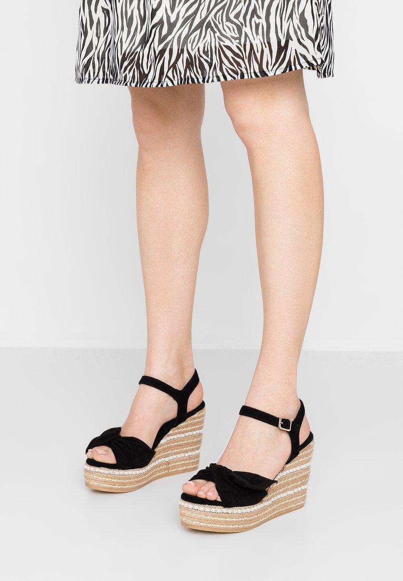 XTI - Sandály na vysokém podpatku - black