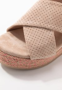 XTI - Korolliset sandaalit - nude - 2